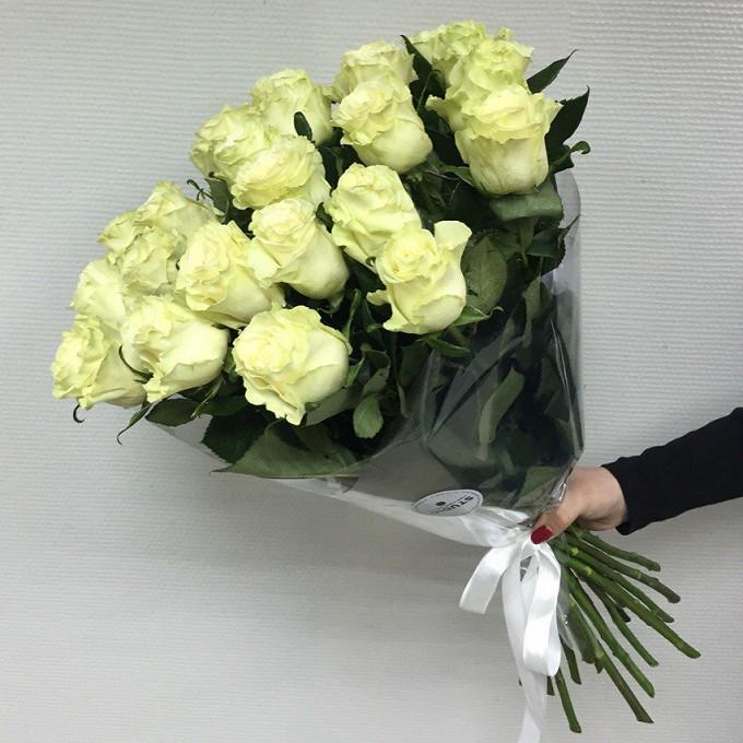 Букет из: белая лента — 1 шт., упаковка прозрачная пленка — 1 шт., роза (белый, 70 см) — 21 шт. - Восторг