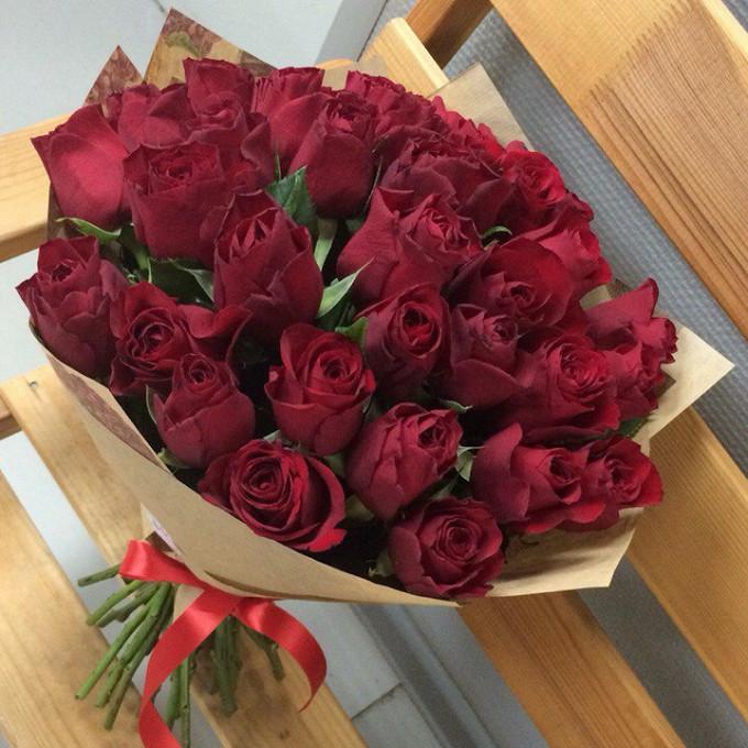Упаковка Крафт-бумага — 1 шт., Красная лента — 1 шт., Роза Кения (красный, 50 см) — 35 шт.