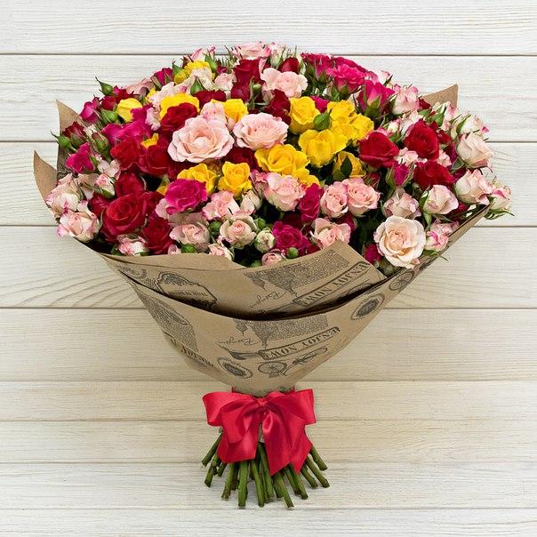 Упаковка Крафт-бумага — 1 шт., Роза кустовая (розовый) — 10 шт., Роза кустовая (красный) — 10 шт., Роза кустовая (желтый) — 10 шт., Роза кустовая двухцветная (…
