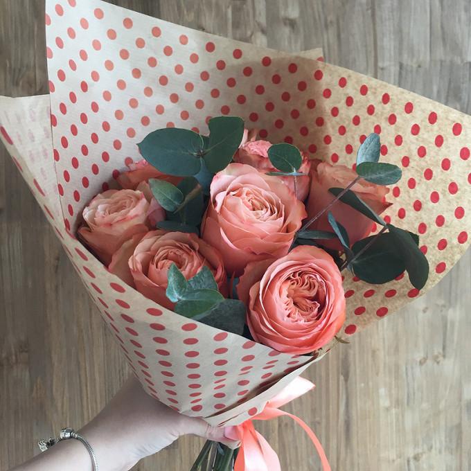 Кулек с пионовидной розой