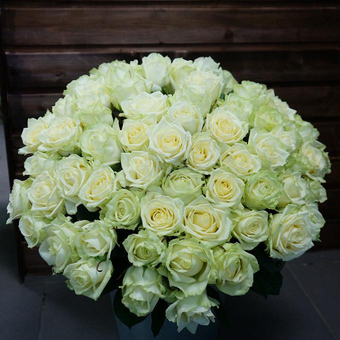 Букет из: роза (белый, 60 см) — 51 шт., белая лента — 1 шт. - Белые розы