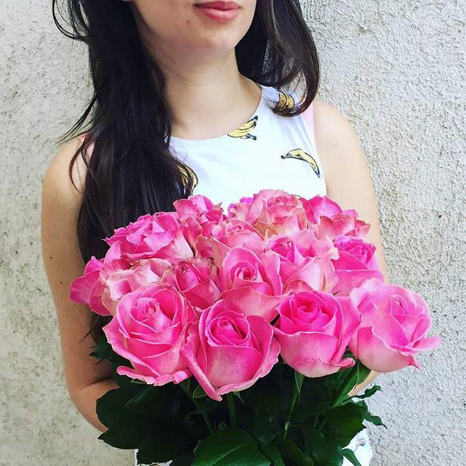 Белая лента — 1 шт., Роза (розовый, 50 см) — 19 шт.