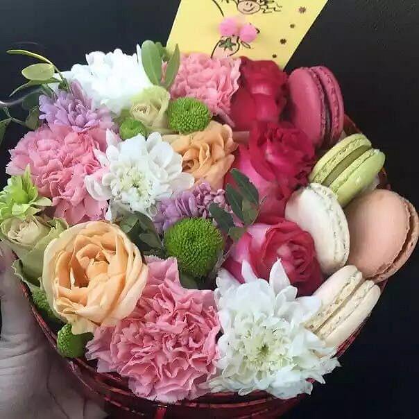 Роза Кения (персиковый) — 3 шт., Роза Кения (микс (разных цветов)) — 4 шт., Хризантема кустовая Филин Грин (зеленый) — 1 шт., Лизиантус эквадор (белый) — 2 шт.…