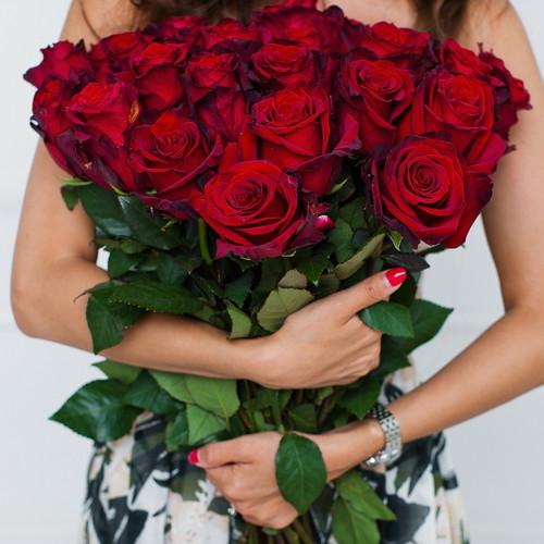 Красная лента — 1 шт., Роза (красный, 40 см) — 25 шт.