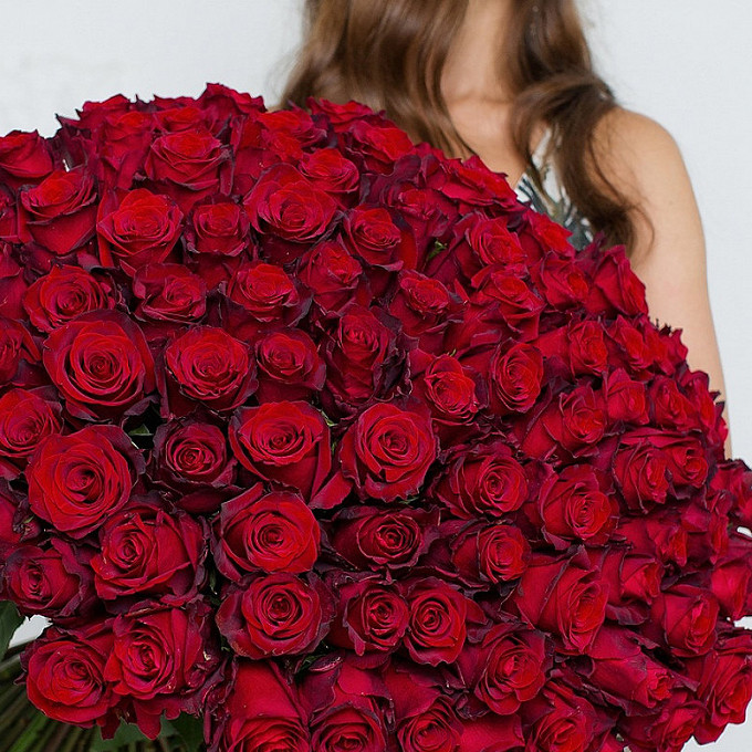 Роза (красный, 40 см) — 101 шт., Красная лента — 1 шт.