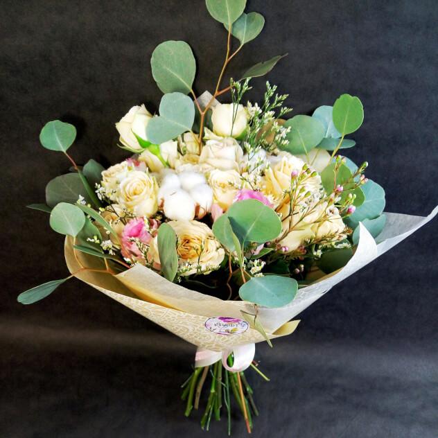Прекрасный букет из нежных роз