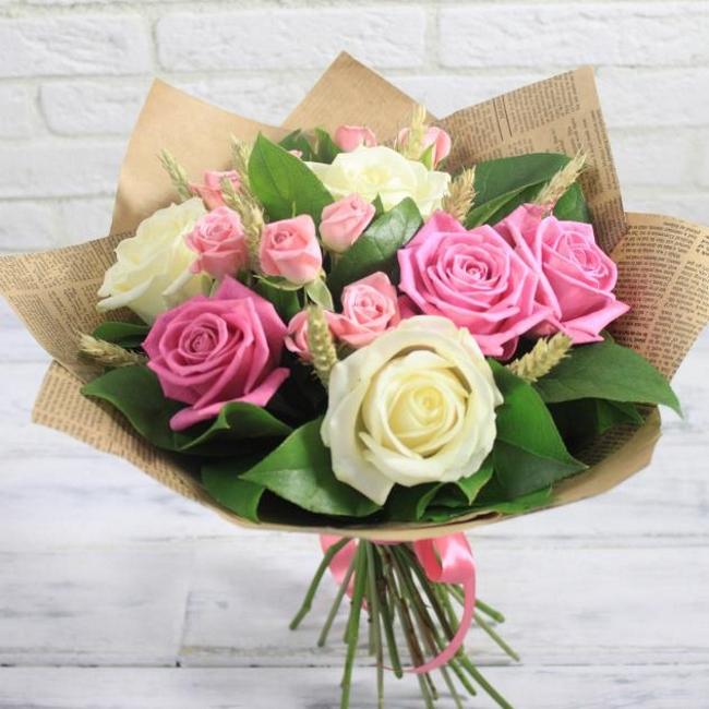 Роза Кения (микс (разных цветов), 60 см) — 6 шт., Роза кустовая (нежно-розовый) — 3 шт., Пшеница (колосок) — 9 шт., Салал — 3 шт., Лента атласная — 1 шт., Упак…