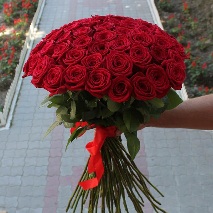 Красная лента — 1 шт., Роза (красный, 70 см) — 55 шт.