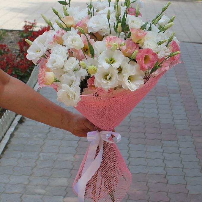 Белая лента — 1 шт., Упаковка Сетка — 1 шт., Лизиантус (розовый) — 7 шт., Лизиантус (белый) — 10 шт.