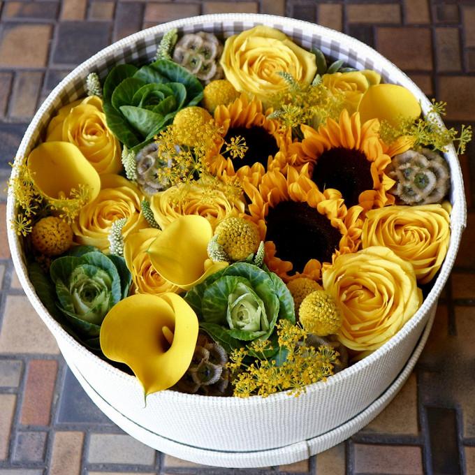 Роза (желтый) — 7 шт., Подсолнух (желтый) — 3 шт., Брассика — 6 шт., Калла (желтый) — 4 шт., Вероника (фиолетовый) — 3 шт., Коробка (круг, средний) — 4 шт., Кр…