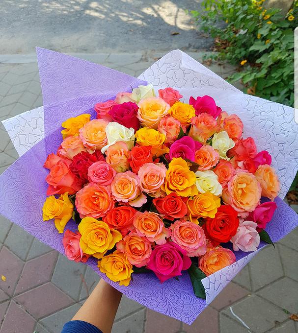 Роза Кения (микс (разных цветов), 40 см) — 51 шт., Упаковка Фетр — 1 шт., Белая лента — 1 шт.