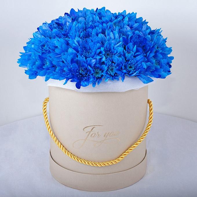 Хризантема кустовая (синий) — 15 шт., Шляпная коробка (средний) — 1 шт., Пиафлор — 2 шт., Упаковка Фетр — 2 шт.