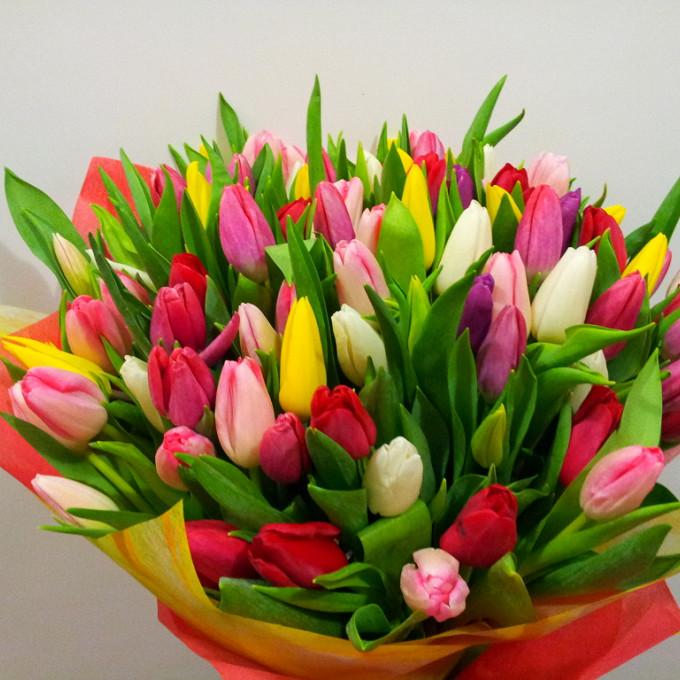 Лента атласная — 1 шт., Упаковка Сизаль натуральная — 1 шт., Тюльпан (микс (разных цветов)) — 51 шт.