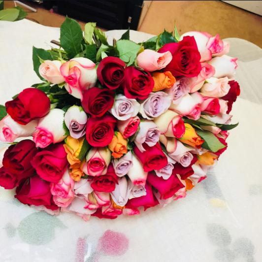 Лента — 1 шт., Роза (микс (разных цветов), 40 см) — 101 шт.