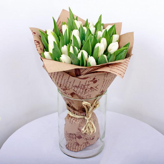 Тюльпан (белый) — 25 шт., Упаковка Крафт-бумага — 1 шт., Лента — 1 шт.