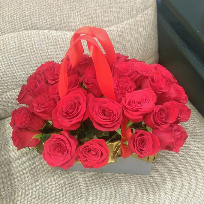 Подарочная коробка с розами