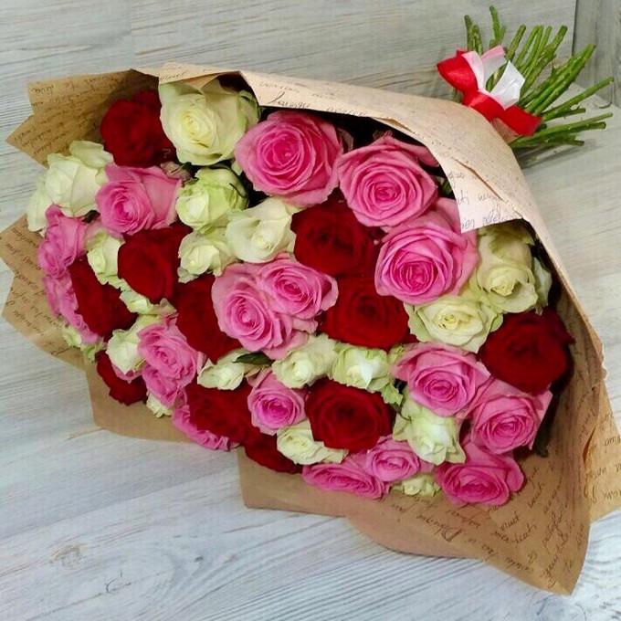 Упаковка Крафт-бумага — 1 шт., Роза (микс (разных цветов), 60 см) — 51 шт., Лента — 1 шт.