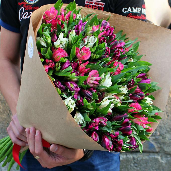 Упаковка Крафт-бумага — 1 шт., Лента — 1 шт., Альстромерия (микс (разных цветов)) — 51 шт.