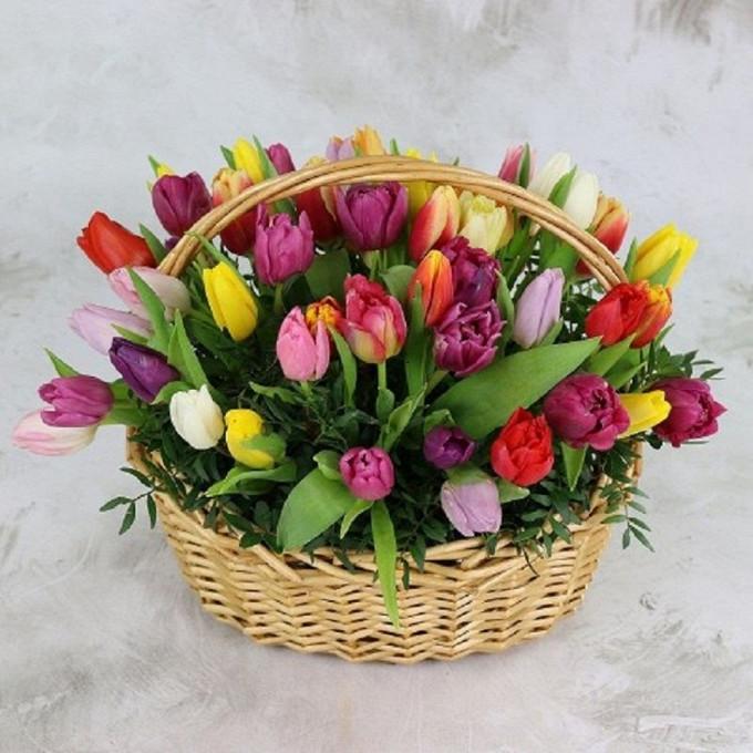 Тюльпан (микс (разных цветов)) — 55 шт., Пиафлор — 2 шт., Корзина (овал, средний) — 1 шт., Писташ — 10 шт.