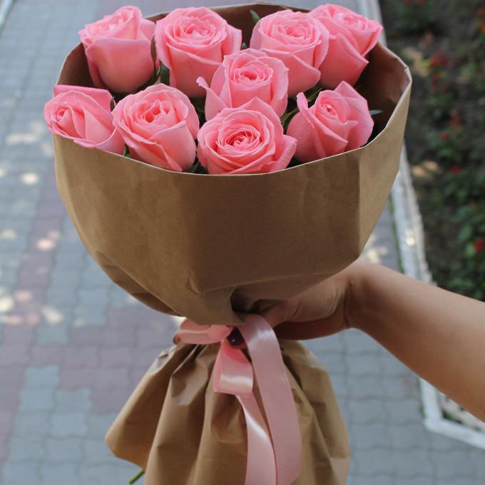 Роза Эквадор (розовый, 50 см) — 9 шт., Упаковка Крафт-бумага — 1 шт., Розовая лента — 1 шт.