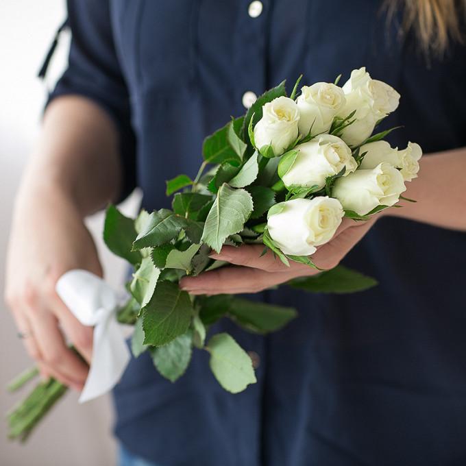 Роза (белый, 40 см) — 7 шт., Белая лента — 1 шт.