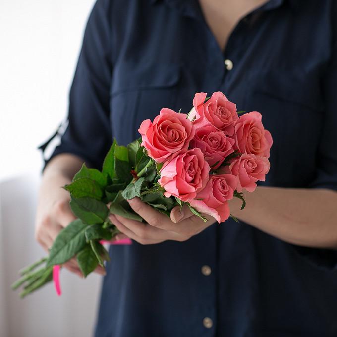 Роза (розовый, 40 см) — 7 шт., Розовая лента — 1 шт.
