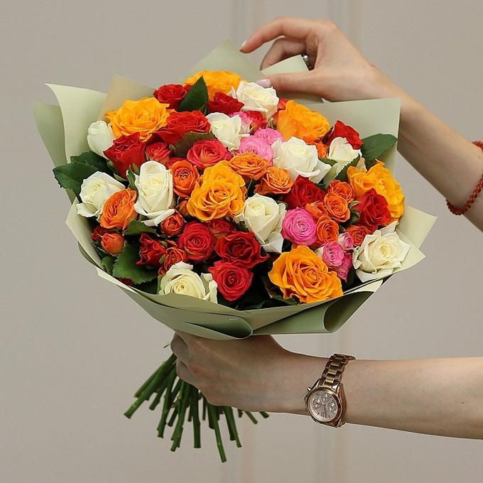 Микс из кустовых и стандартных роз