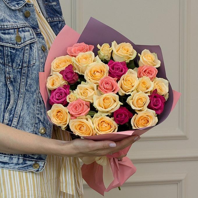 Роза Кения (микс (разных цветов), 60 см) — 25 шт., Лента атласная — 1 шт., Упаковка Пленка матовая (Корея) — 1 шт.