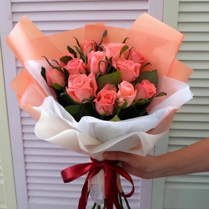 15 рыжих роз в матовой пленке