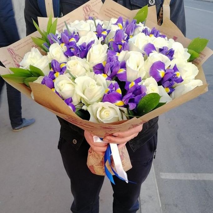 Роза Кения (белый, 60 см) — 25 шт., Упаковка Крафт-бумага — 1 шт., Лента атласная — 2 шт., Рускус — 6 шт., Ирис (синий) — 19 шт.