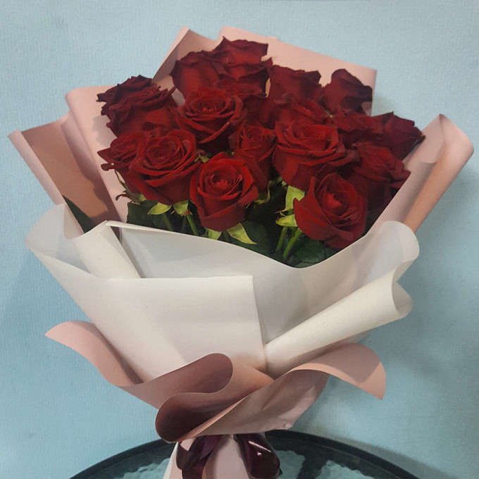 Роза Кения (красный, 60 см) — 15 шт., Упаковка Пленка матовая (Корея) — 1 шт.