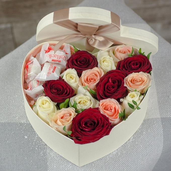 Роза Кения (микс (разных цветов)) — 15 шт., Рафаэлло 1 конфета — 7 шт., Писташ — 2 шт., Пиафлор — 1 шт., Коробка (сердце, средний) — 1 шт.