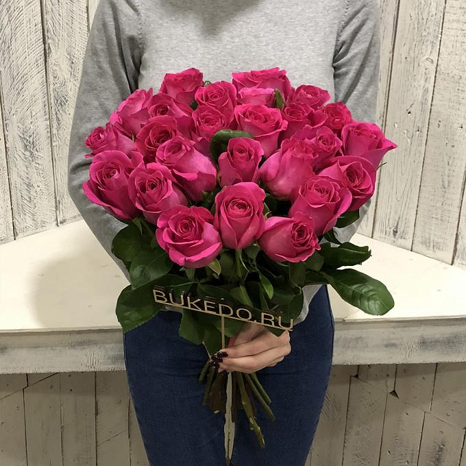 Розовая лента — 1 шт., Роза Эквадор (ярко-розовый, 50 см) — 25 шт.