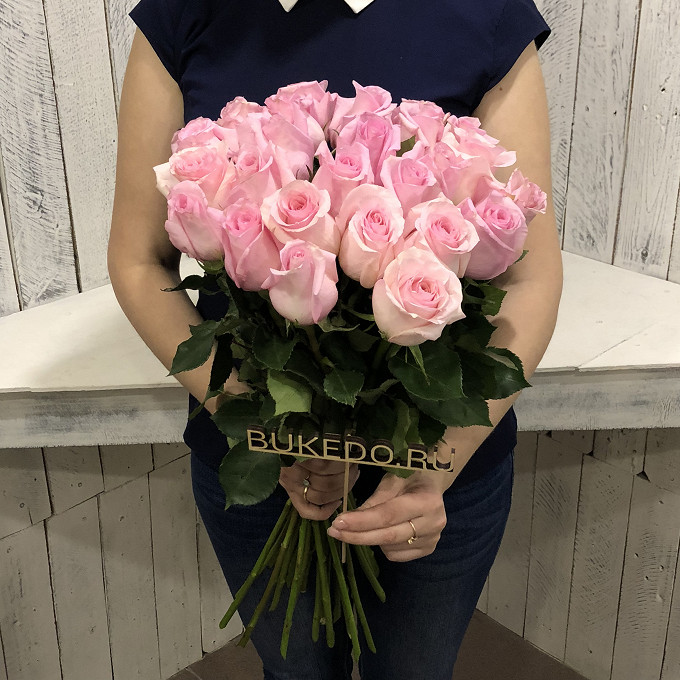 Розовая лента — 1 шт., Роза Эквадор (розовый, 50 см) — 25 шт.