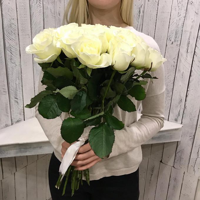25 белых роз 50см Кения