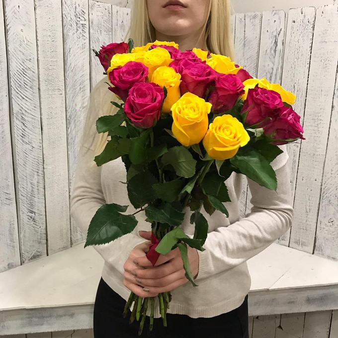Красная лента — 1 шт., Роза (желтый, 50 см) — 13 шт., Роза (ярко-розовый, 50 см) — 12 шт.