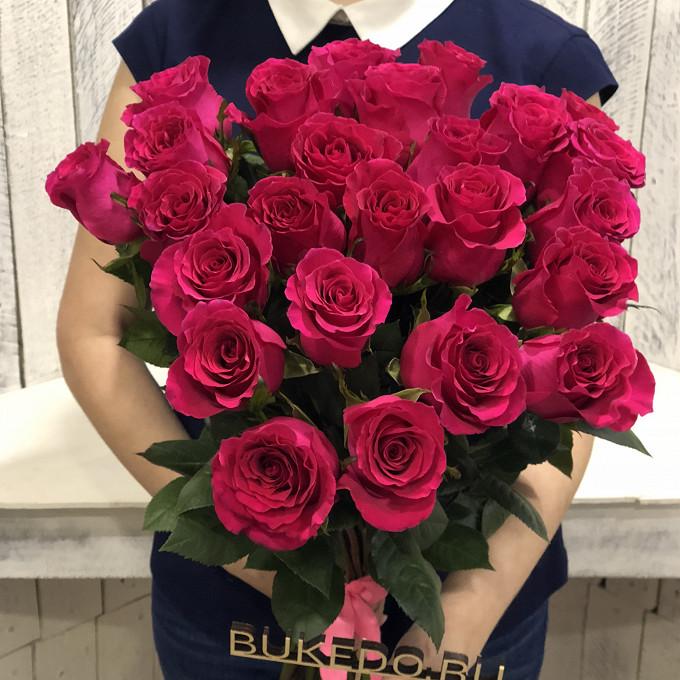 Роза Эквадор (ярко-розовый, 60 см) — 25 шт., Розовая лента — 1 шт.