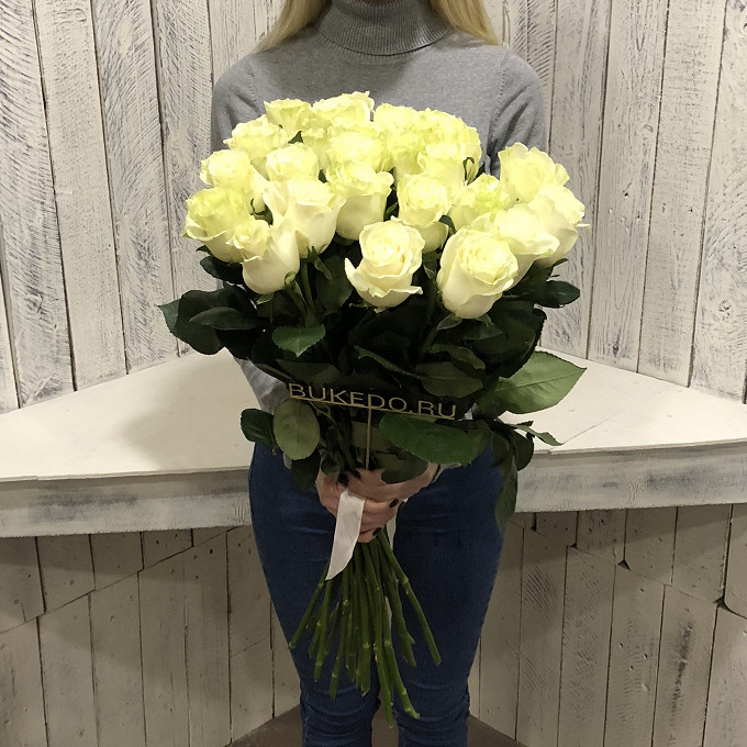 Роза Эквадор (белый, 60 см) — 25 шт., Белая лента — 1 шт.