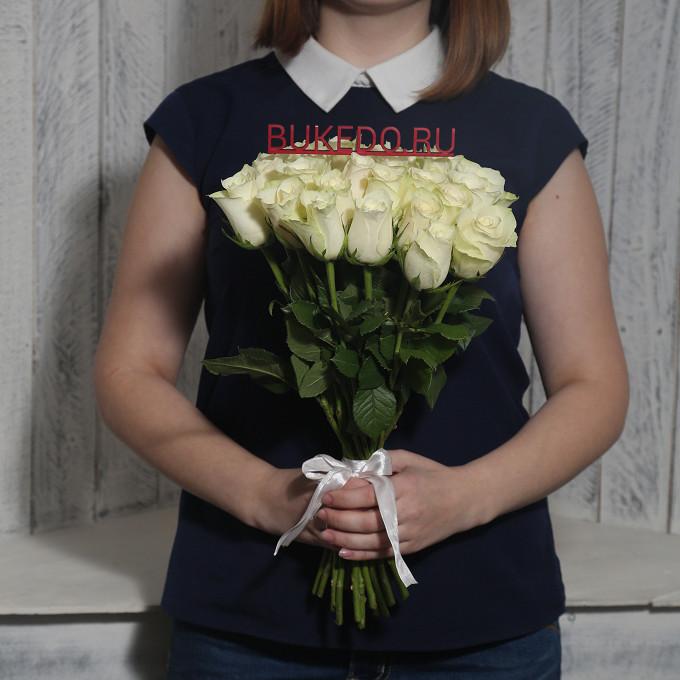 Белая лента — 1 шт., Роза Кения (белый, 40 см) — 25 шт.