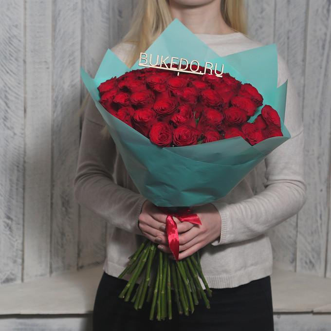 Красная лента — 1 шт., Упаковка Матовая пленка бирюзовая — 1 шт., Роза Кения (красный, 50 см) — 51 шт.