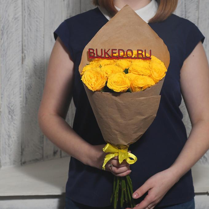 Желтая лента — 1 шт., Упаковка Крафт однотонный — 1 шт., Роза Кения (желтый, 40 см) — 15 шт.