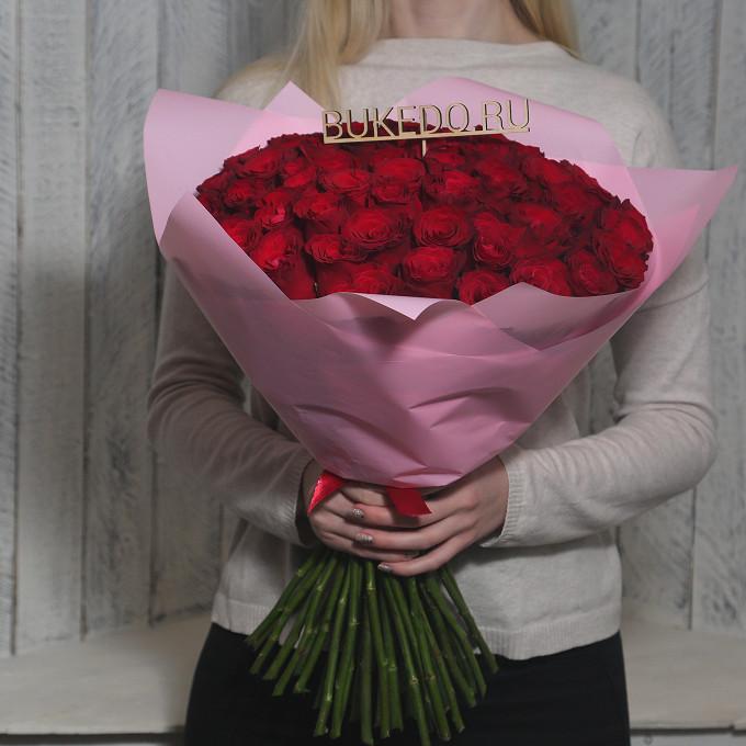Красная лента — 1 шт., Упаковка Матовая пленка розовая — 1 шт., Роза Кения (красный, 50 см) — 51 шт.