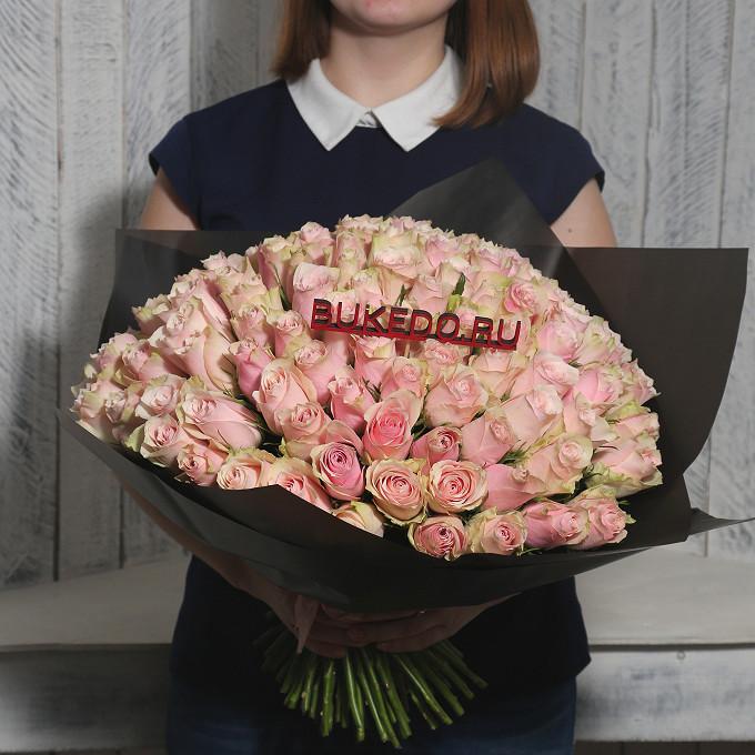 Розовая лента — 1 шт., Упаковка Матовая пленка черная — 1 шт., Роза Кения (нежно-розовый, 40 см) — 101 шт.