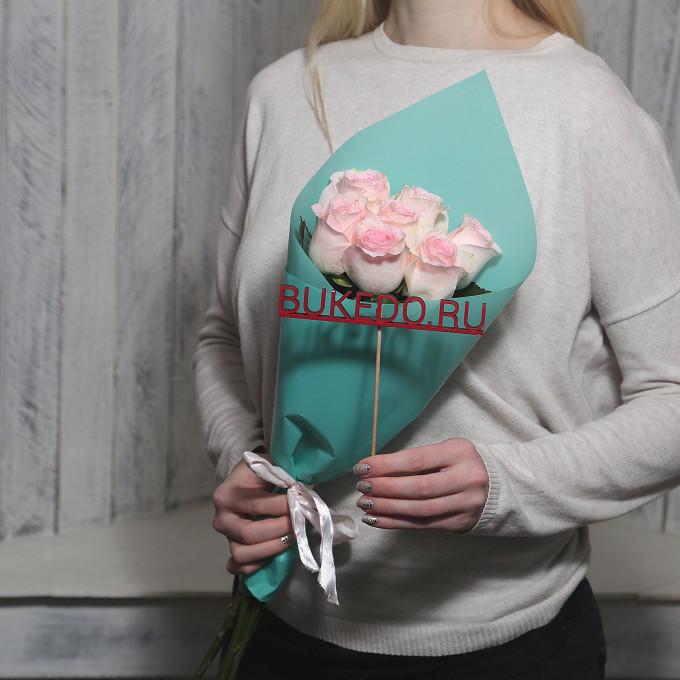 Розовая лента — 1 шт., Упаковка Матовая пленка бирюзовая — 1 шт., Роза Кения (нежно-розовый, 50 см) — 7 шт.