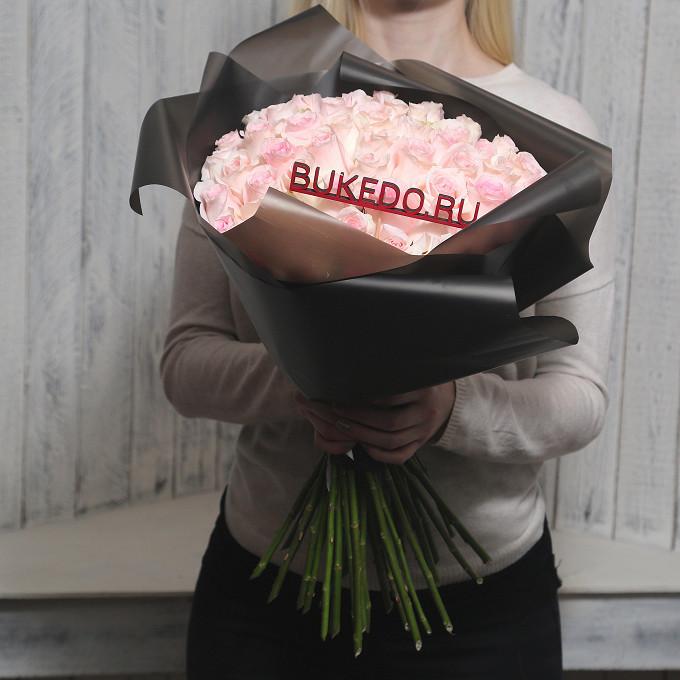 Розовая лента — 1 шт., Упаковка Матовая пленка черная — 1 шт., Роза Кения (нежно-розовый, 50 см) — 51 шт.