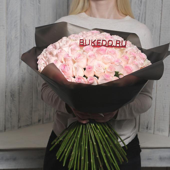 Розовая лента — 1 шт., Упаковка Матовая пленка черная — 1 шт., Роза Кения (нежно-розовый, 50 см) — 101 шт.