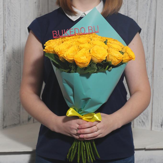 Желтая лента — 1 шт., Упаковка Матовая пленка бирюзовая — 1 шт., Роза Кения (желтый, 40 см) — 25 шт.
