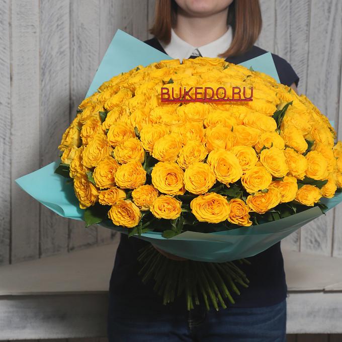 Желтая лента — 1 шт., Упаковка Матовая пленка бирюзовая — 1 шт., Роза Кения (желтый, 40 см) — 101 шт.