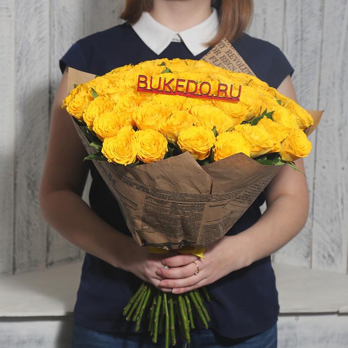 Роза Кения (желтый, 40 см) — 51 шт., Желтая лента — 1 шт., Упаковка Крафт-газета — 1 шт.