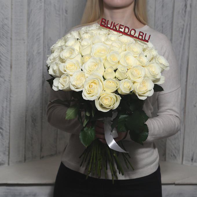 Роза Кения (белый, 50 см) — 51 шт., Белая лента — 1 шт.
